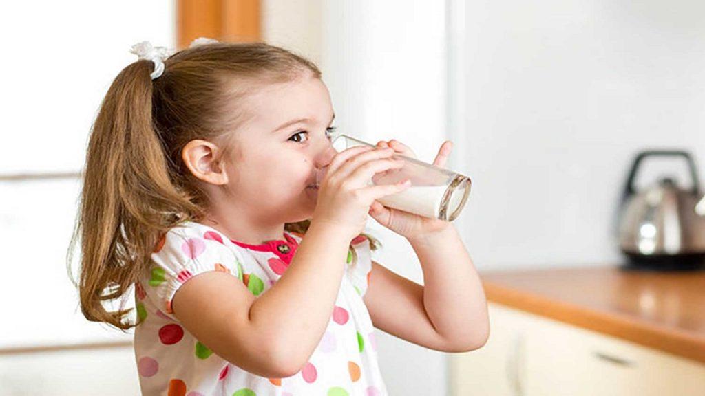 مصرف شیر در روز برای افزایش قد کودک