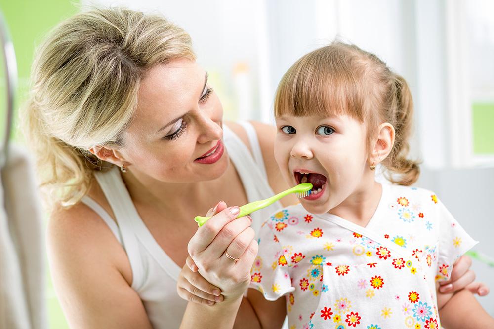 مسواک زدن مرتب کودکان